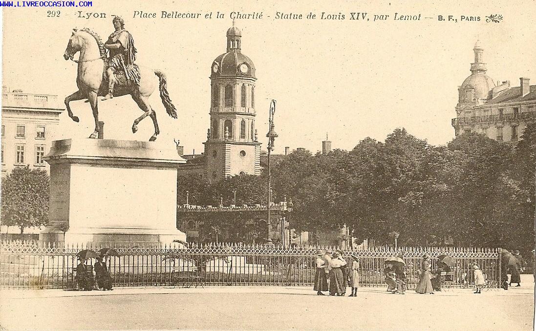 Bien connu CPA- LYON -PLACE BELLECOUR - carte postale Rhône GP19