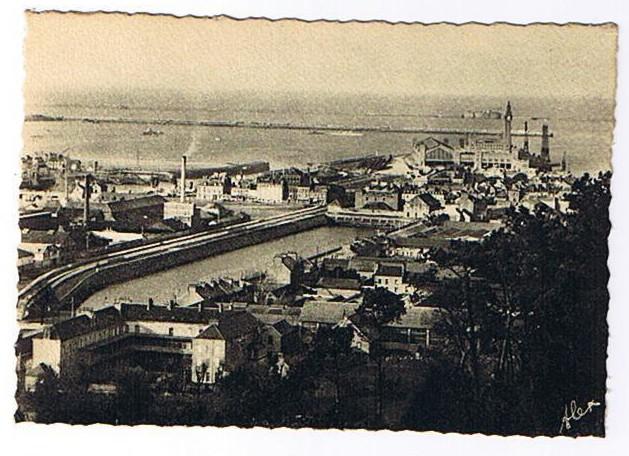 Panorama sur la rade et la nouvelle gare maritime carte for Porte carte postale sur pied